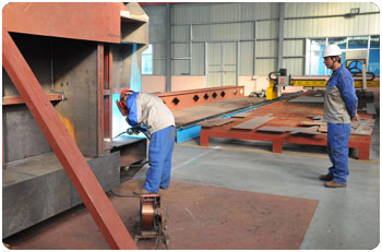 Box girder structure welding